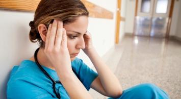 4813-stressed-nurse